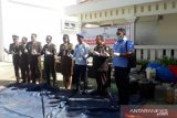 Kejari Jayawijaya memusnahkan barang bukti kejahatan di pegunungan Papua