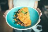 Cara membuat omelet jamur dan tomat hanya 10 menit