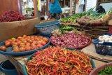 Menjelang Hari Raya Qurban, harga bahan pokok di Pasar Raya Padang relatif stabil