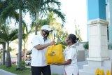 PLN  salurkan 1.000 paket bahan pokok untuk warga NTT