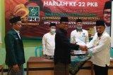 DPC PKB Temanggung bagikan 1.500 kitab
