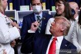 Trump sarankan tunda pilpres, dolar 'tergelincir'