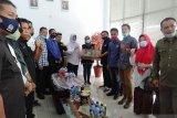 DPRD Kolaka salurkan bantuan korban banjir Masamba