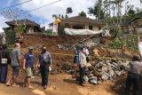 Buruh bangunan tewas tertimpa tanah longsor di Bali