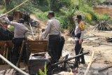Polda Jambi berhasil menutup 230 sumur minyak ilegal di Kabupaten Batanghari