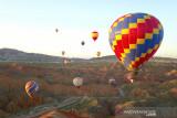 Balon udara panas lukai 11 orang
