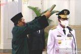 Pengamat sebut Isdianto, gubernur pertama di Indonesia bukan hasil pilkada