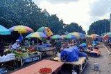 Tes usap massal pedagang Pasar Kebon Roek Kota Mataram ditunda