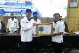 Lampaui target, Padang terima penghargaan daerah terbanyak sensus penduduk secara daring
