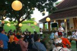 Menteri Koordinator Bidang Kemaritiman dan Investasi Luhut Binsar Pandjaitan  berpidato didepan para pelaku wisata dan Umkm pada Rakor Penyelesaian Isu Pengembangan Pariwisata Kabupaten Banyuwangi di Pendopo Banyuwangi, Jawa Timur, Rabu (29/7/2020). Rapat Koordinasi bersama kementerian, BUMN dan Swasta itu, membahas tentang tantangan pandemi COVID-19 dan pemulihan ekonomi. Antara Jatim/Budi Candra Setya/zk.