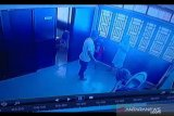 Viral video suami pukuli dan tendang istri, diinterogasi polisi ternyata ini motif pelaku