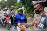 Terjaring Operasi Patuh Polda Sumbar, pelanggar lalu lintas diberi tausiah oleh ustadz