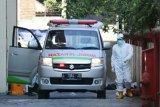 Pasien positif COVID-19 diduga bunuh diri di Surabaya