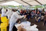 Tes swab terhadap wartawan di Tanjungpinang