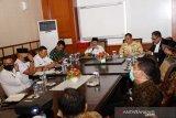 Gugus Tugas: Gubernur Kepulauan Riau tertular COVID-19 bukan dari istrinya