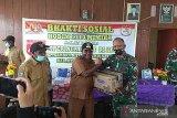 Kodim Mimika berikan bantuan bahan pokok masyarakat Kampung Kamoro