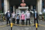 Tiga WNA China ikuti tes usap sebelum dideportasi