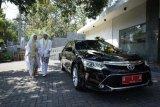 Ini dia pasangan pertama yang pakai mobil dinas Wali Kota Semarang sebagai mobil pengantin