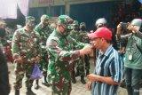 TNI bagikan 1.000 masker di pasar tradisional Mamuju