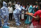 Kebakaran menewaskan sedikitnya 10 orang di pusat perawatan COVID-19 India
