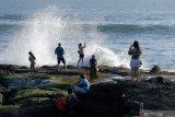 Objek wisata Tanah Lot Bali mulai ramai dikunjungi wisatawan