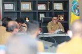 Gubernur Tegaskan Anti Alumnisme