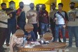 Polisi tangkap tiga terduga narkoba di dekat likuefaksi Balaroa