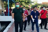 Bank Jateng bersama Pemkot Semarang salurkan sembako ke warga Tinjomoyo