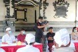 Wabup Badung bantu sembako untuk pemuka agama Hindu