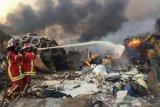 Prajurit TNI  bantu evakuasi korban terdampak ledakan di Beirut