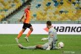 Tundukan tamunya, Shakhtar lolos ke perempat final Liga Europa