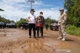 Tinjau aset Pertamina, Gubernur sebut perbaikan jalan sebagai prioritas