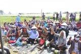 Panen padi di Duri,  Kasmarni ajak petani sisihkan rezeki