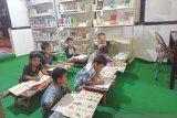 Pustaka daerah Provinsi Sumbar ladani minat membaca saat pandemi COVID-19, ada iSumbar Mambaco