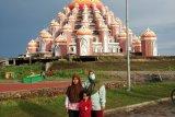 Pembangunan Masjid 99 Kubah CPI Makassar bisa dilanjutkan