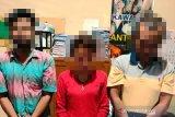 Polisi tangkap tiga orang diduga pemakai sabu di Batang Gasan, satu diantaranya perempuan