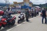 TNI-Polri di Serui patroli bersama tertibkan penerapan protokol kesehatan