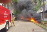 Petugas pemadam kebakaran sempat kesulitan padamkan kebakaran hebat di Sentul