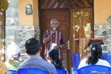 Masyarakat Kabupaten Kupang gotong royong bangun jalan