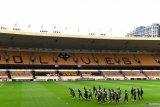 Wolverhampton diberi sanksi UEFA karena langgar aturan