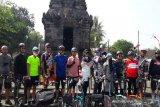 Anggota DPR RI dan artis bersepeda promosikan wisata Borobudur