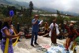 Seniman Komunitas Lima Gunung festival tahunan untuk kampanye protokol kesehatan