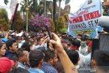 Setelah jadi buronan, Plt Bupati Bengkalis nonaktif ditangkap polisi