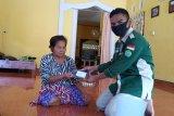 Kukerta UR cek kesehatan warga Desa Lubuk Muda dari rumah ke rumah