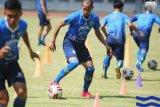Pelatih : Persib Bandung butuh waktu untuk kembalikan performa terbaik
