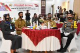 Nadalsyah konferensi video bersama Kapolda Kalimantan Tengah
