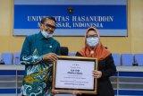 Gubernur Sulsel serahkan 150 tempat tidur medis produk Jepang ke RS Unhas
