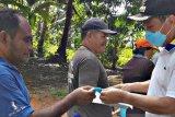 Wali Kota bagikan masker untuk pengemudi ojek