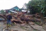 Camat: Pengungsi korban banjir Kulawi  butuh air dan selimut
