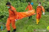 Tim SAR Manado evakuasi mayat seorang kakek di perkebunanan Minahasa Utara